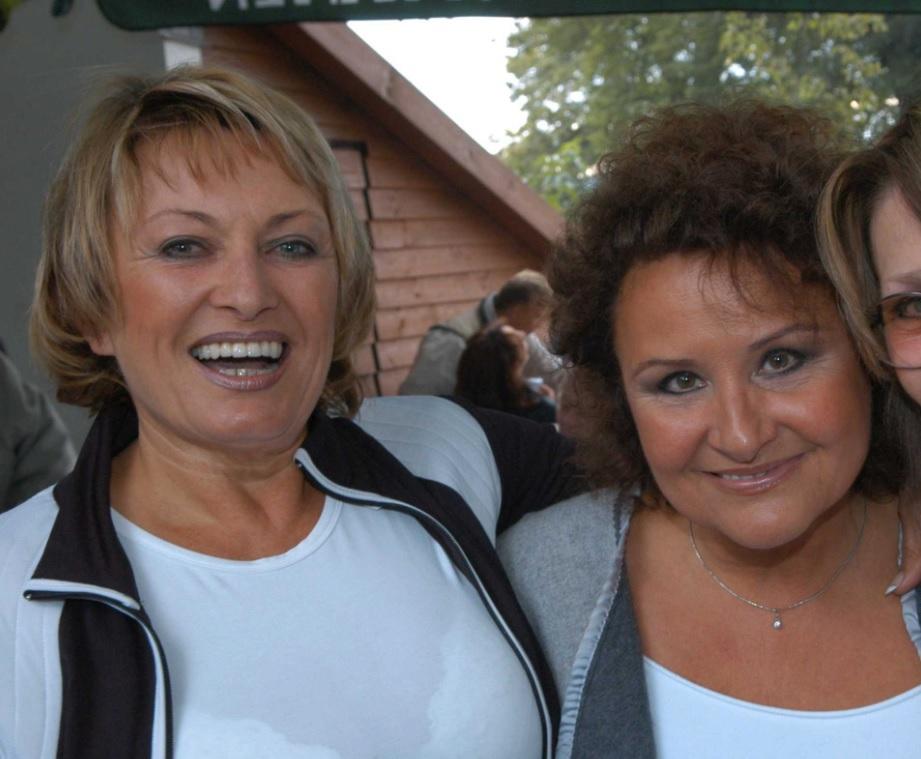 Vlasta Kahovcová s Jitkou Zelenkovou byly vokalistky Karla Gotta.