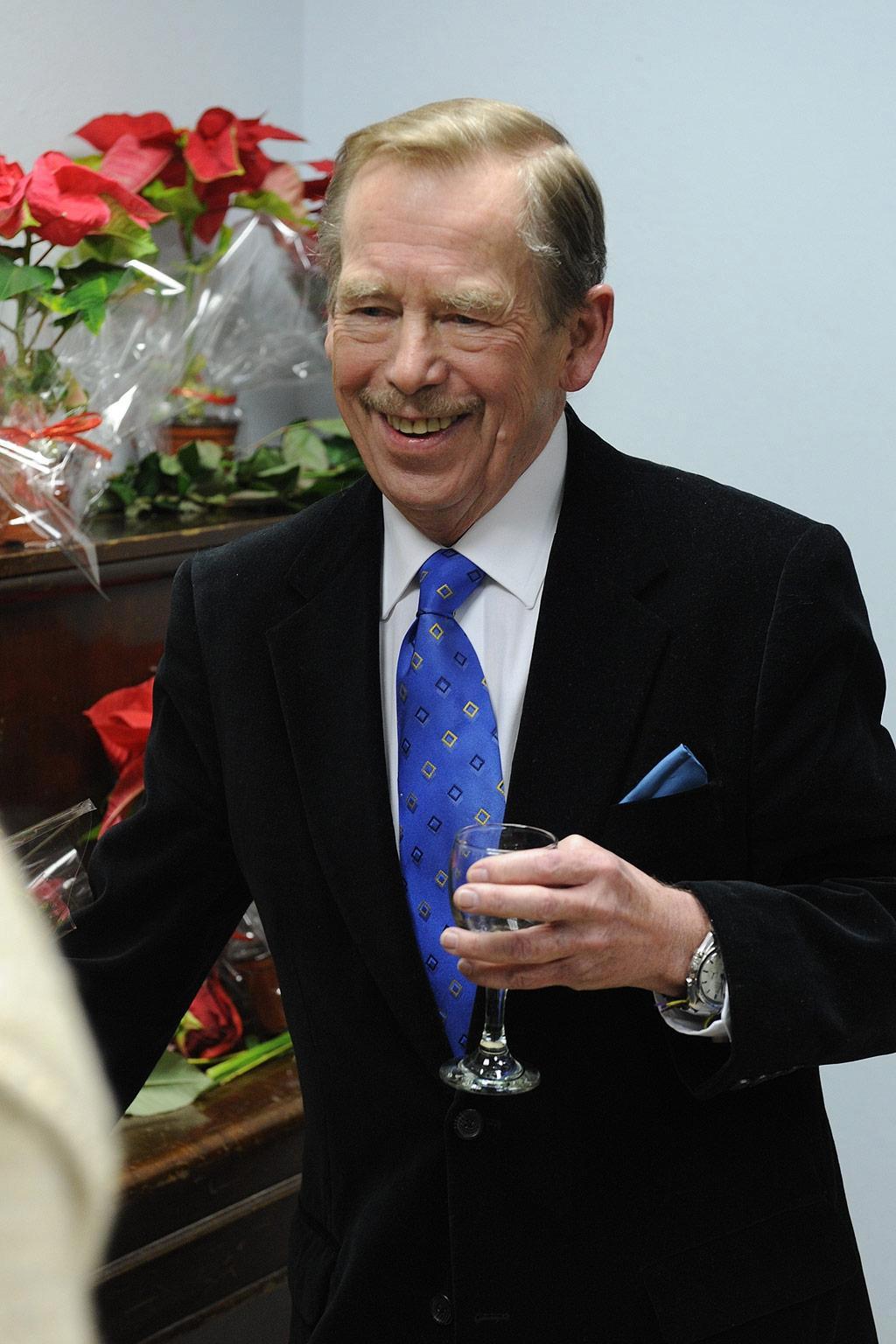 Vaklaf? Vyslovit správně Václav Havel dělá problémy spoustě cizinců.