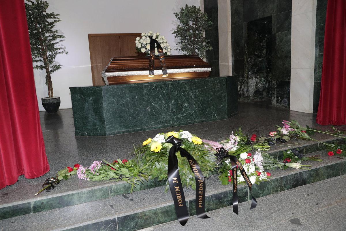 Pohřeb spisovatelky Miroslavy Besserové.