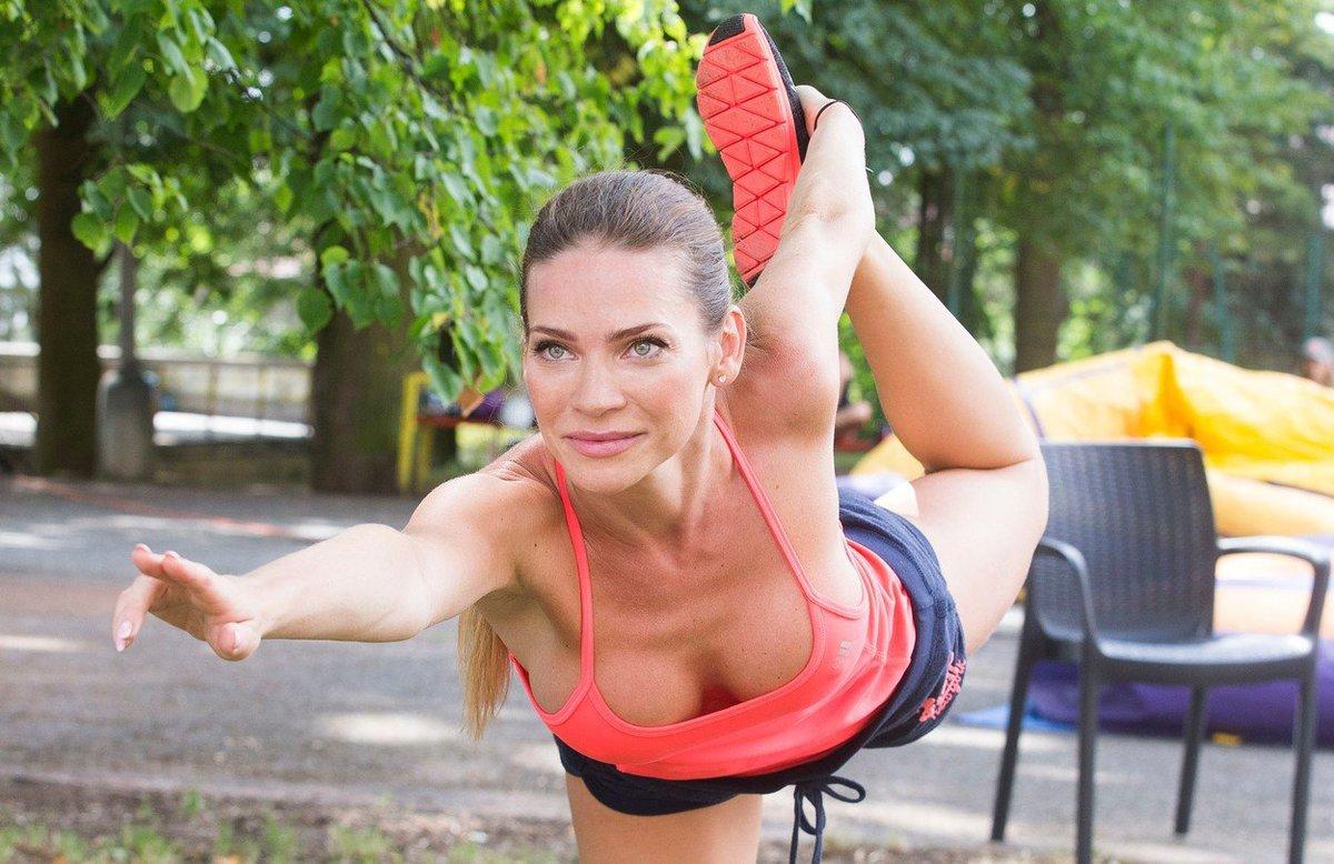 Andrea Verešová ukázala vnady na dětském táboře.