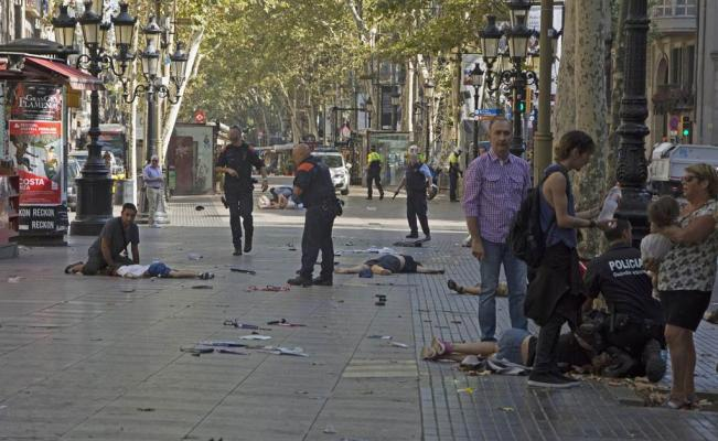 Auto vjelo do davu v Barceloně