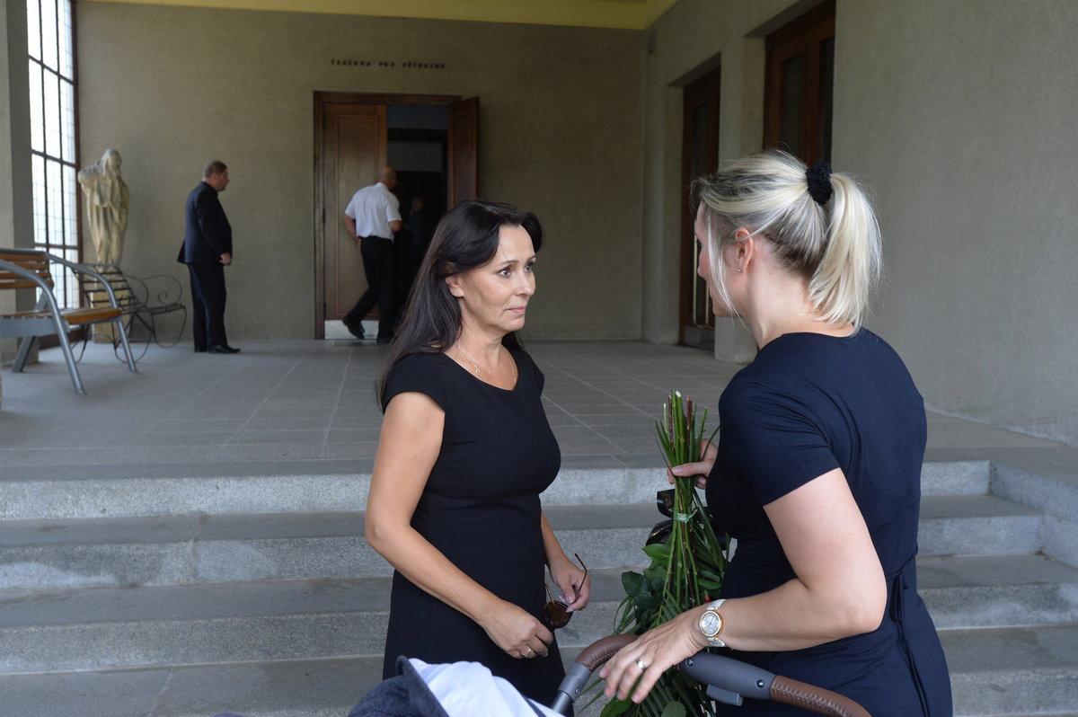 Heidi Janků přijímá kondolence