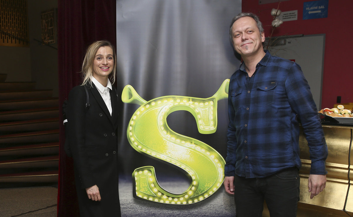 Ivana Jirešová a Viktor Dyk na TK k muzikálu Shrek