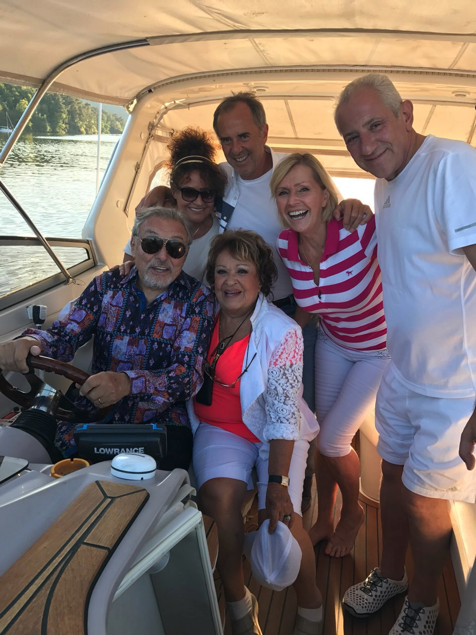 Gott řídil na narozeninách Vondráčkové motorový člun!