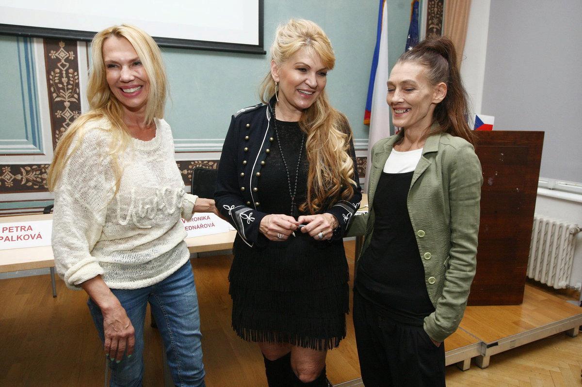 Herečka Monika Kvasničková na křtu audioknihy Případ Pavlína spisovatelky Martiny Formanové