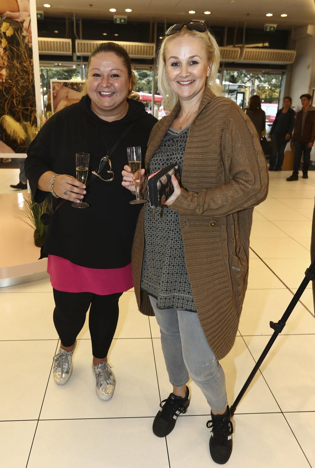 Linda s kamarádkou Anetou Christovovou