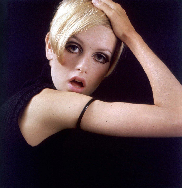 Ikonická modelka 60. let Lesley Lawson alias Twiggy oslaví zítra 68. narozeniny.