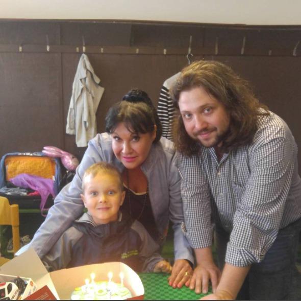 Felix Slováček mladší slavil narozeniny s mámou Dádou a svým synem