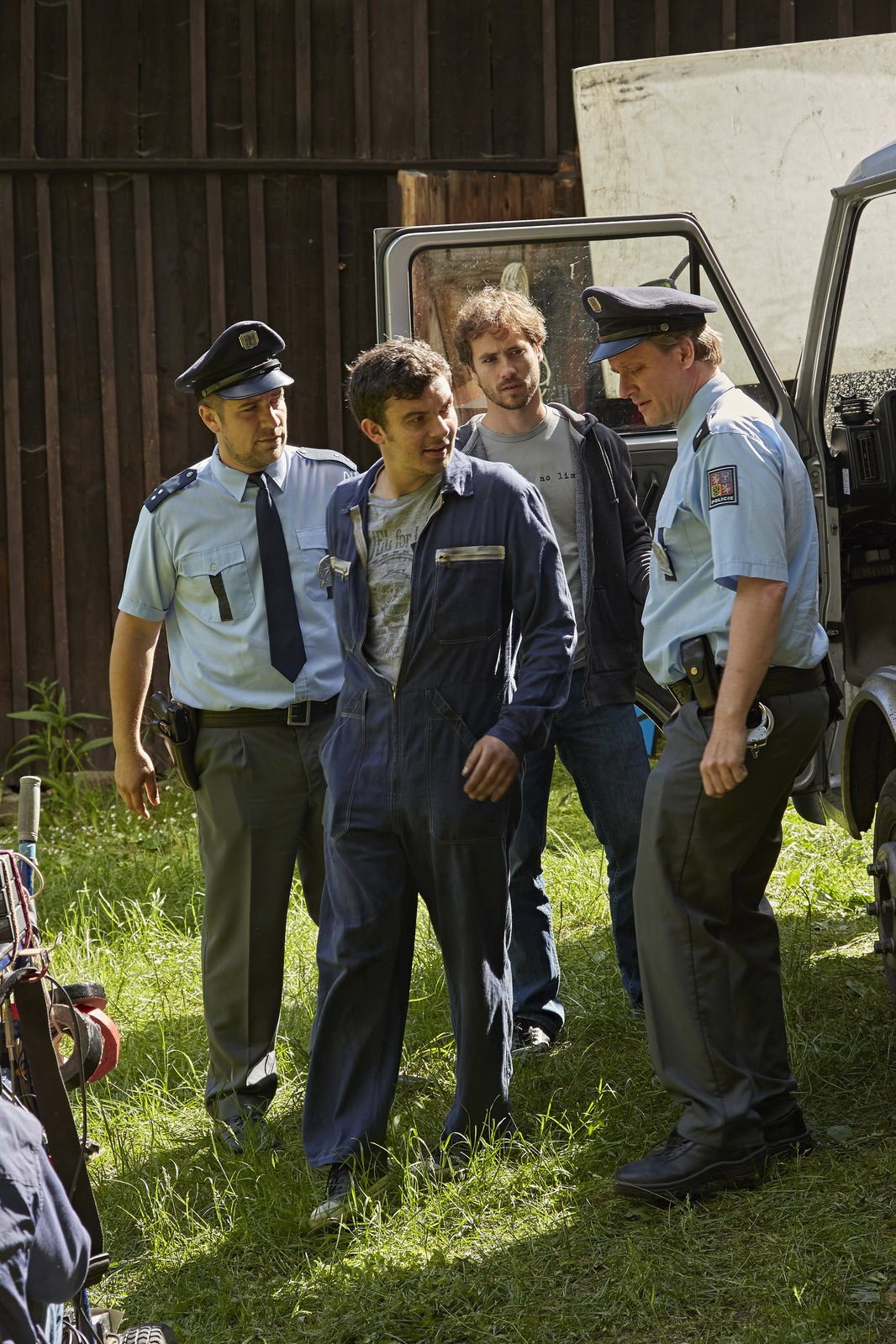 V Modravě chytil pachatele Filip Tomsa jako poručík Kamil Sedláček.