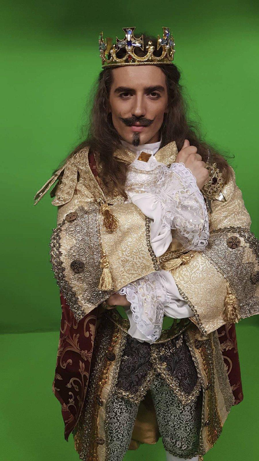 Jan Kopečný jako král Ludvík XIV. v muzikálu Muž se železnou maskou