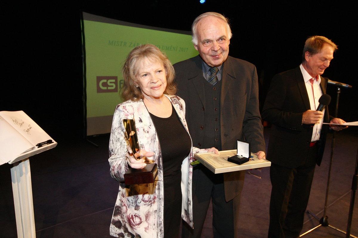 Eva Pilarová získala cenu mistra zábavního umění v kategorii zpěvaček