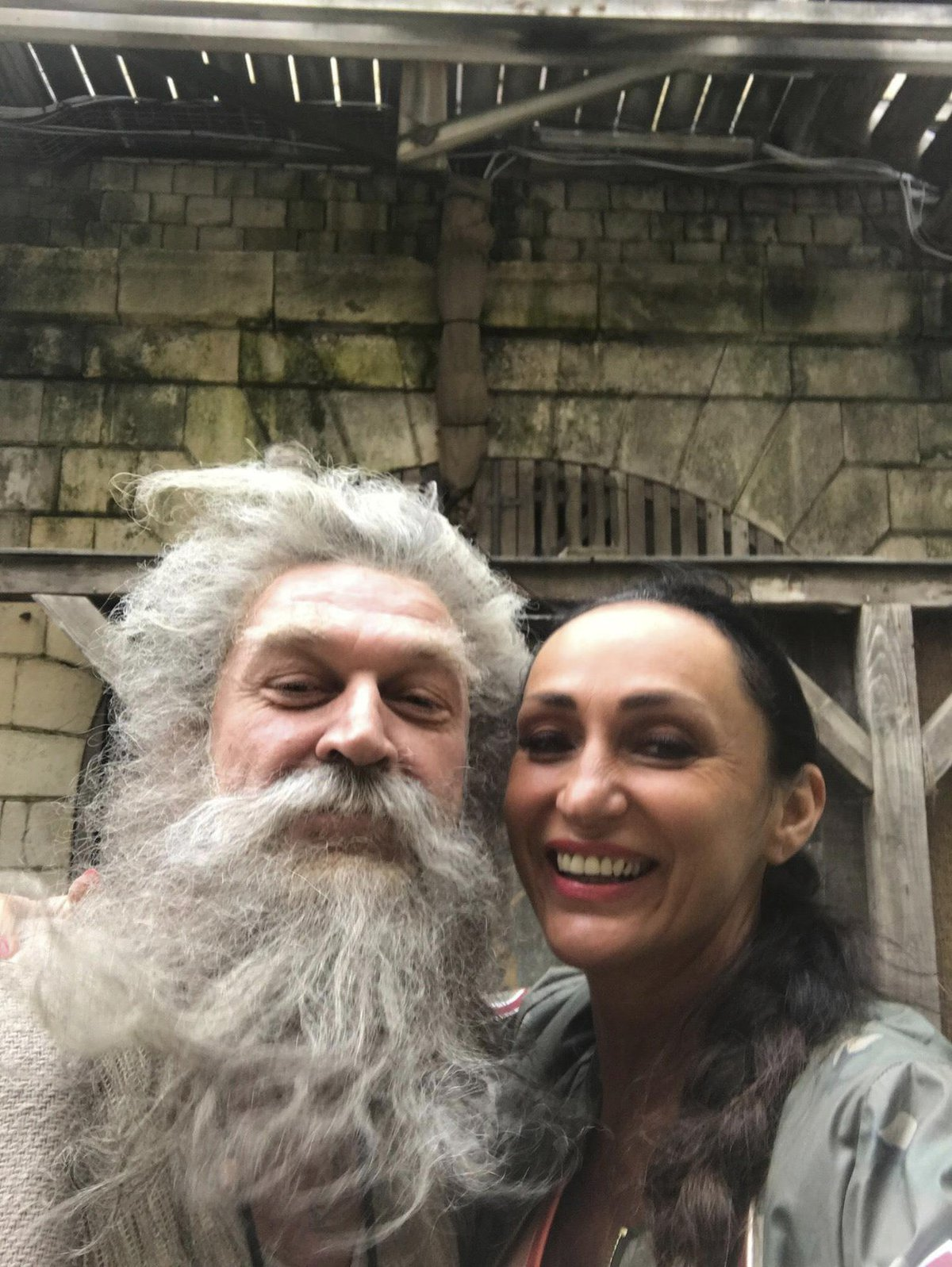 Sisa Sklovská s otcem Fourasem na pevnosti Boyard