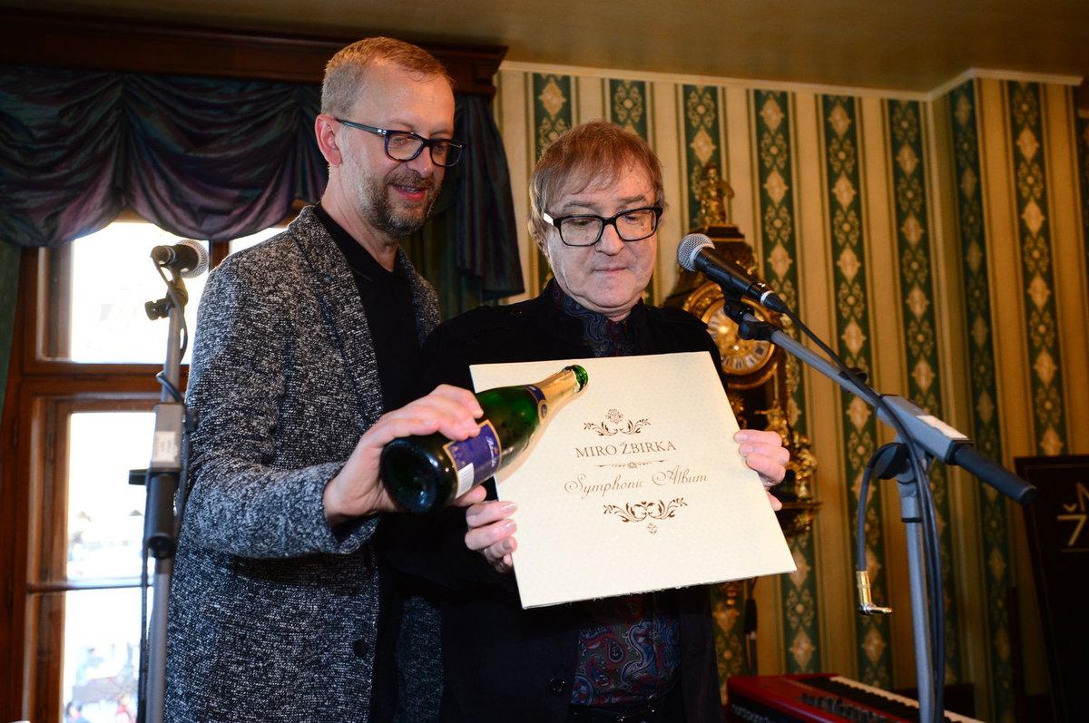 Tajná oslava 65. narozenin Mira Žbirky