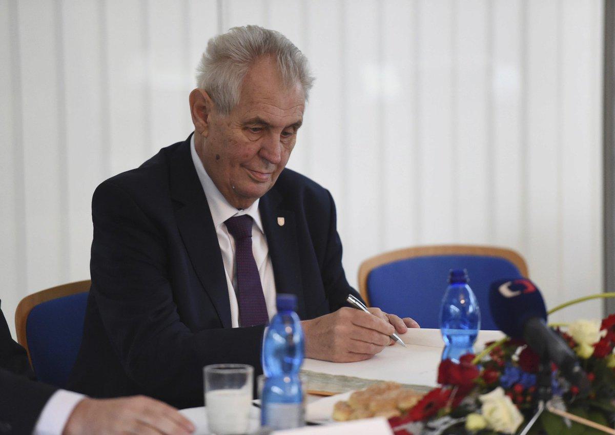 Miloš Zeman navštívil v Olomouckém kraji podnik Olma.