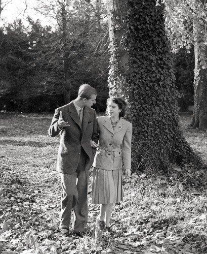 Královský pár na procházce