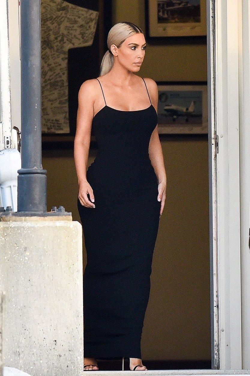 Kim Kardashian ve svatební den navštívila Serenu Williamsovou v jejím pronajatém sídle v New Orleans