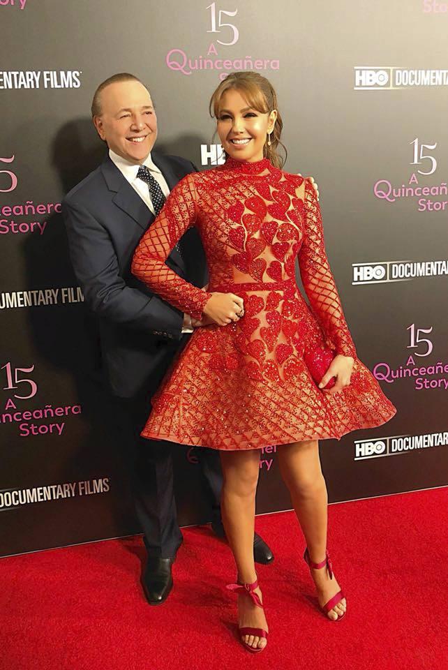 2017 - Mexická zpěvačka Thalía a hvězda telenovely Rosalinda s manželem