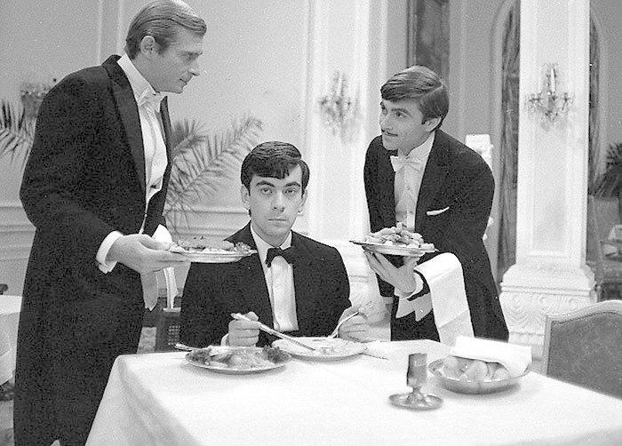 1966 - Jiří Kodet, Petr Čepek a Ladislav Mrkvička ve filmu Hotel pro cizince