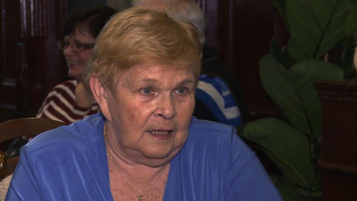 Herečka Ivanka Devátá s moderátorkou pořadu Zuzanou Bubílkovou.