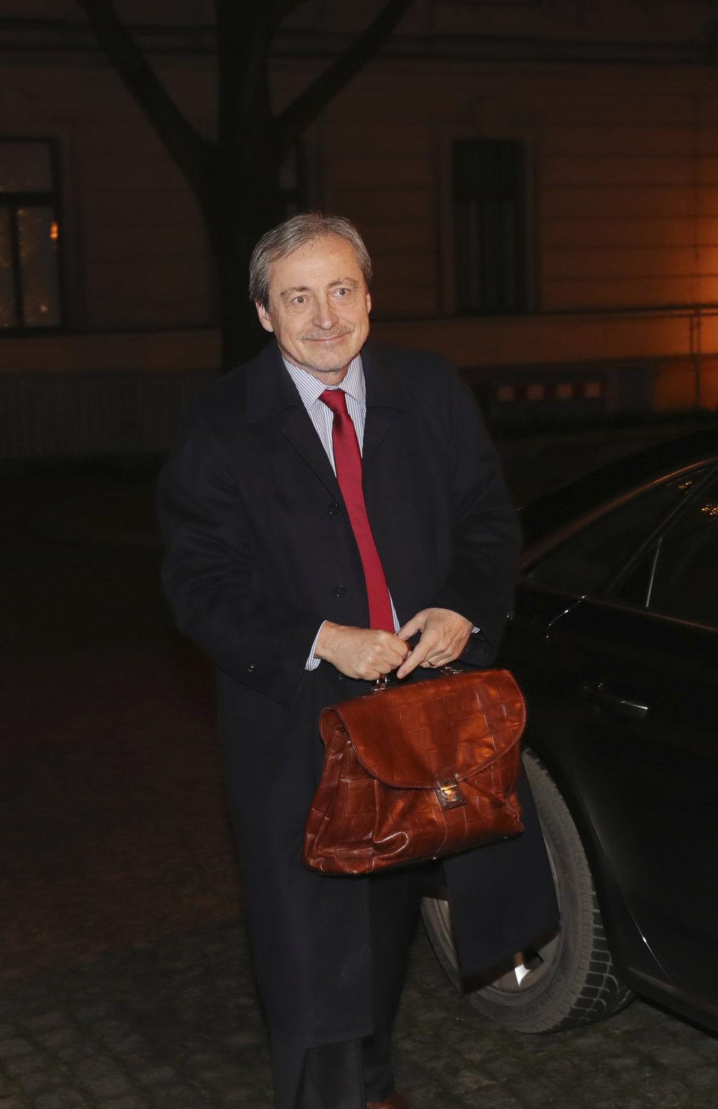 Babiš svolal vládu na 6:30: Ministr zahraničí Martin Stropnický