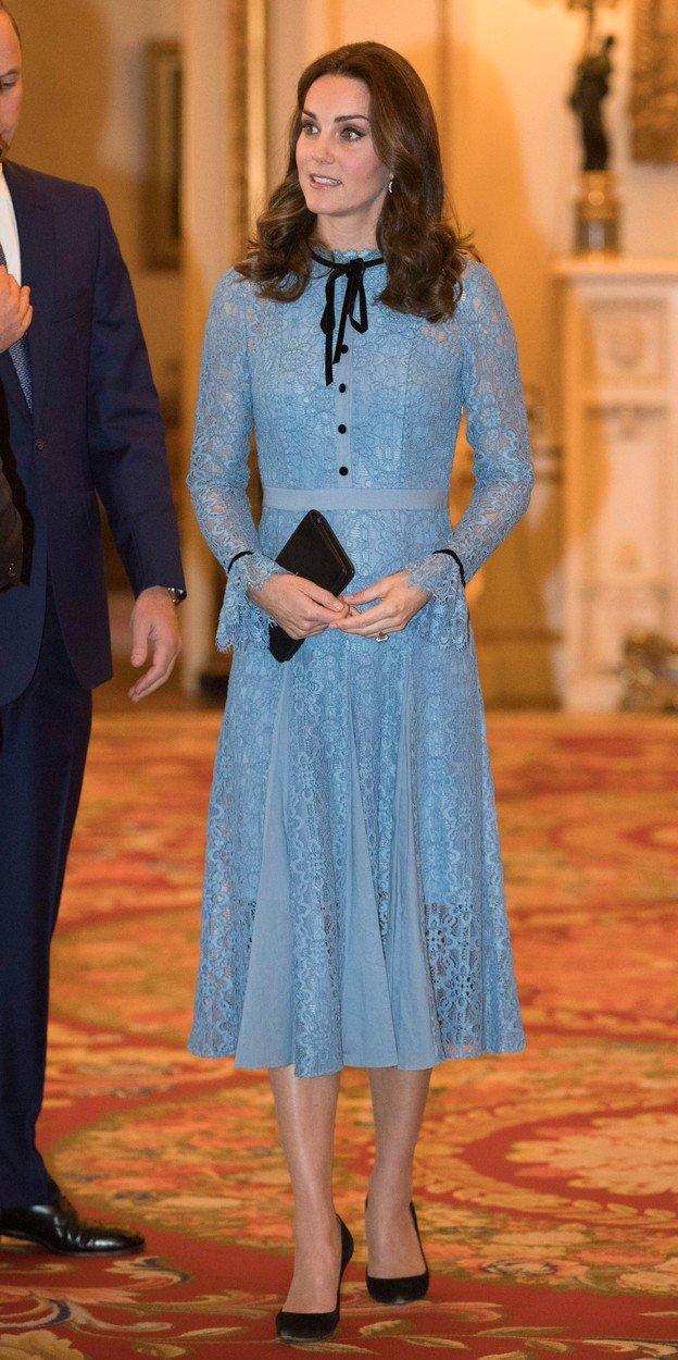 Vévodkyně Kate v šatech Temperley