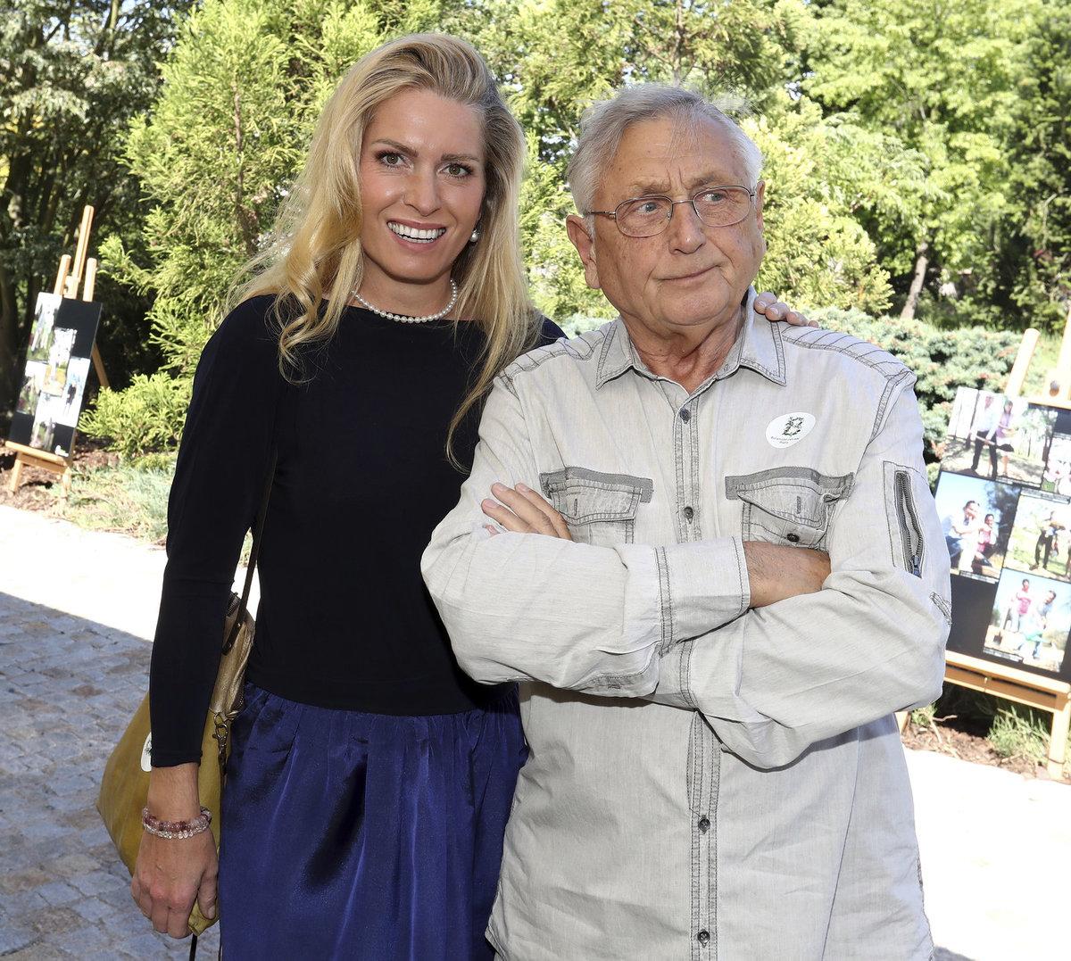 Jiří Menzel s manželkou