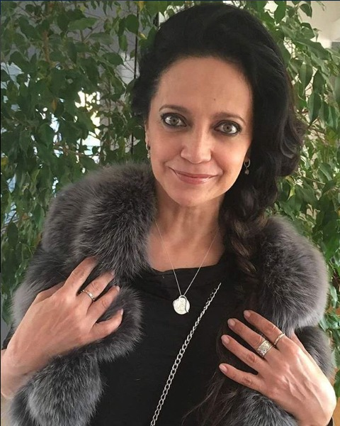 Lucie Bílá se pochlubila novým šperkem.
