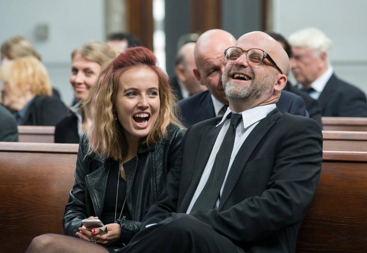 Tereza Voříšková a Hynek Čermák v seriálu Dabing Street
