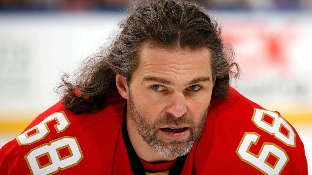 Jaromír Jágr je otrávený, v Calgary ho zradilo zdraví i, zdá se, postoj jeho nadřízených.