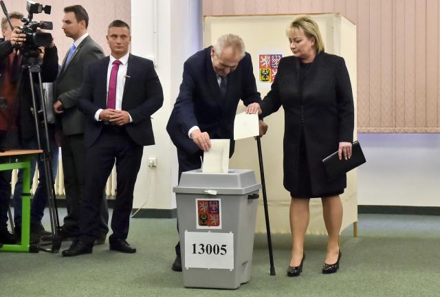 Odvoleno má i Miloš Zeman