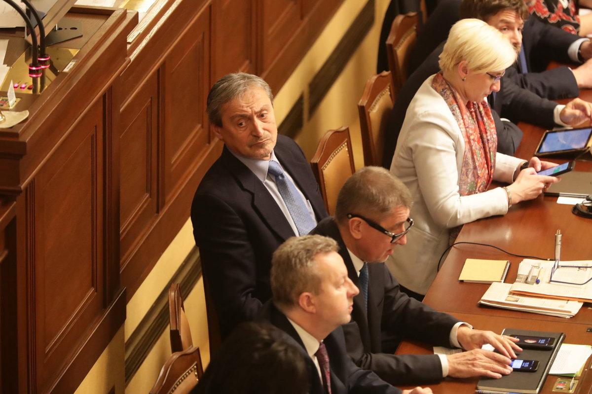 Ministr Martin Stropnický to ve Sněmovně schytal od Jany Černochové (ODS) za údajnou neschopnost