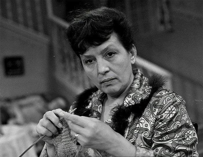 1971 - Taková normální rodinka, kde Dana Medřická hrála maminku, která ráda zpívala.