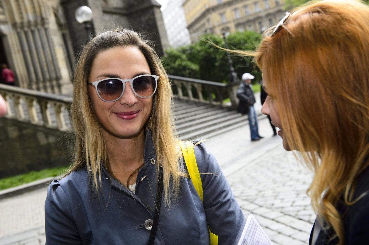 Herečka a zpěvačka Bára Poláková