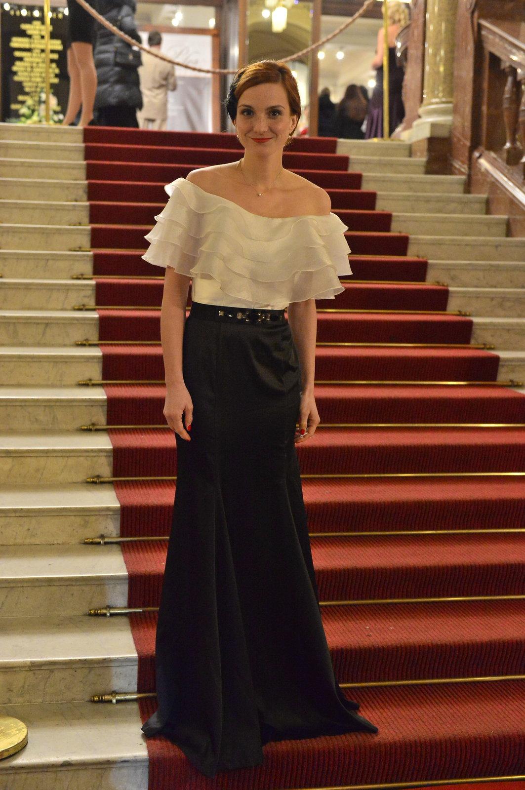 Michaela Maurerová na plese ČT