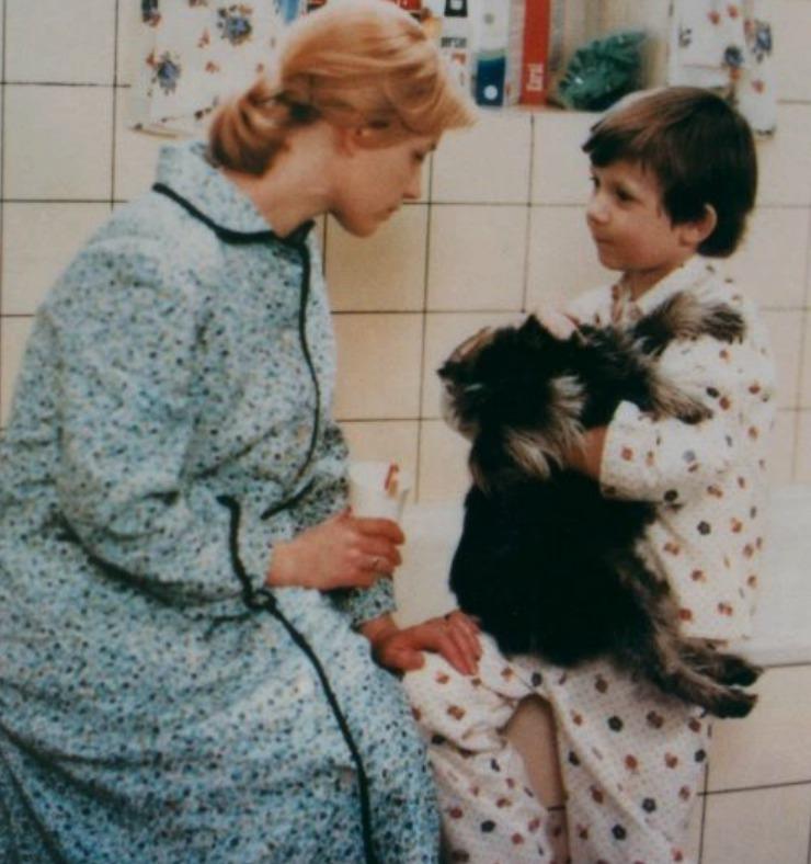 1977 - Jana Preissová a Tomáš Holý ve filmu Jak vytrhnout velrybě stoličku