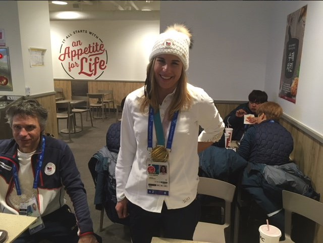 Zahřešila si! Senzační olympijská šampionka Ester Ledecká si s tátou Janakem (vlevo) zašla na kuřátko.