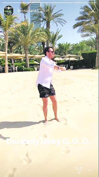Ženich Leoš Mareš v Dubaji na líbánkách