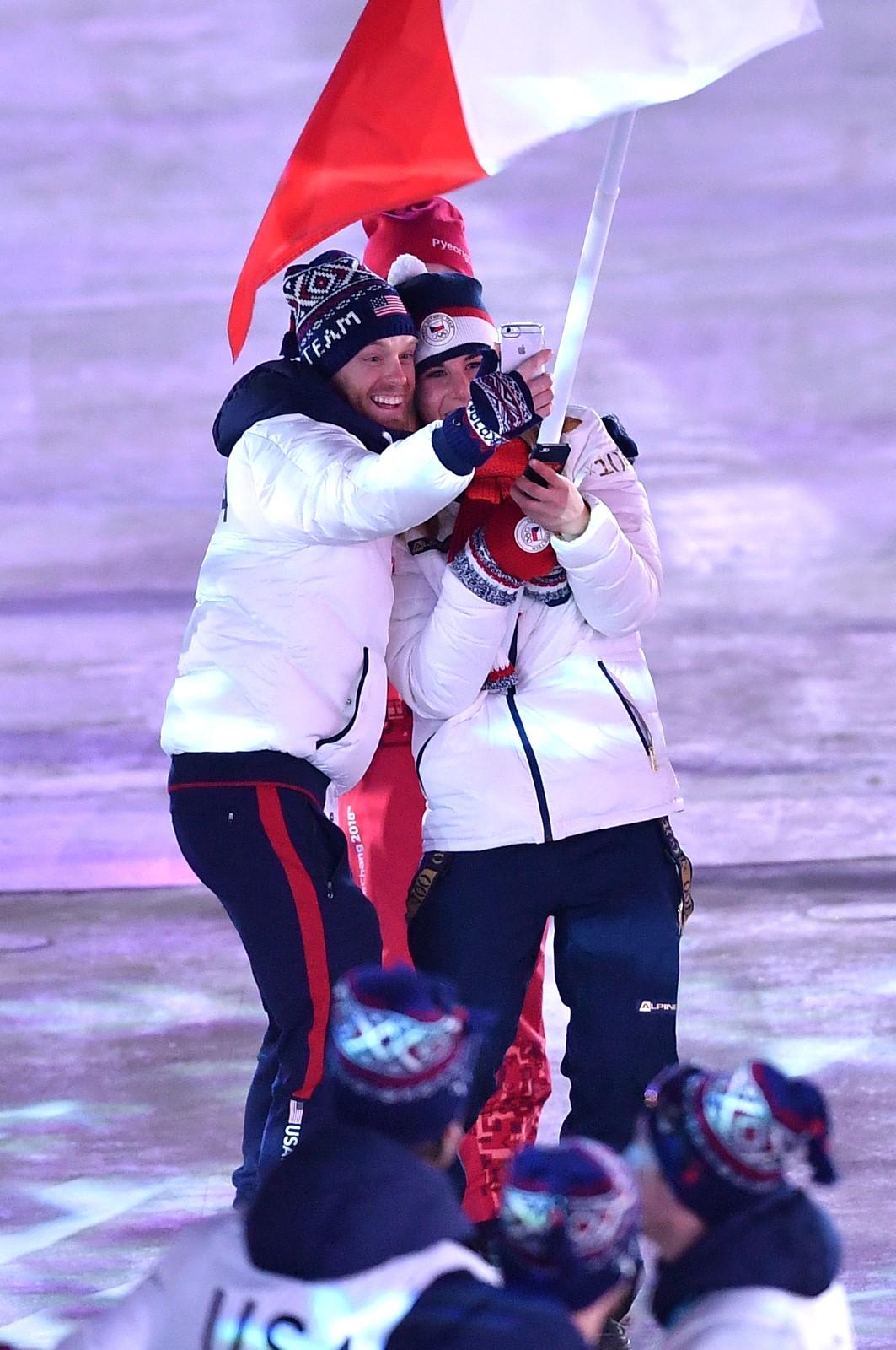 Další ze série selfie Ester Ledecké na slavnostním zakončení olympiády