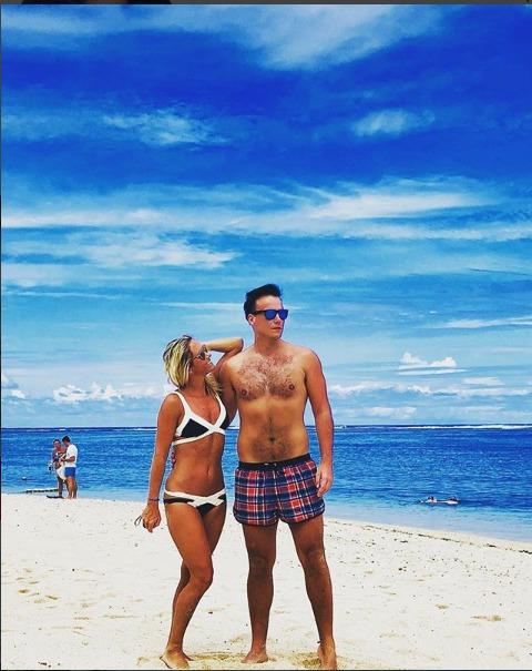 Petr Suchoň s manželkou Klárou Koukalovou se vzali na ostrově Mauricius
