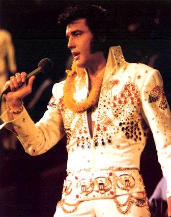 Elvis Presley - v 70. letech - unavený, kvůli lékům odulý, ale stále milovaný