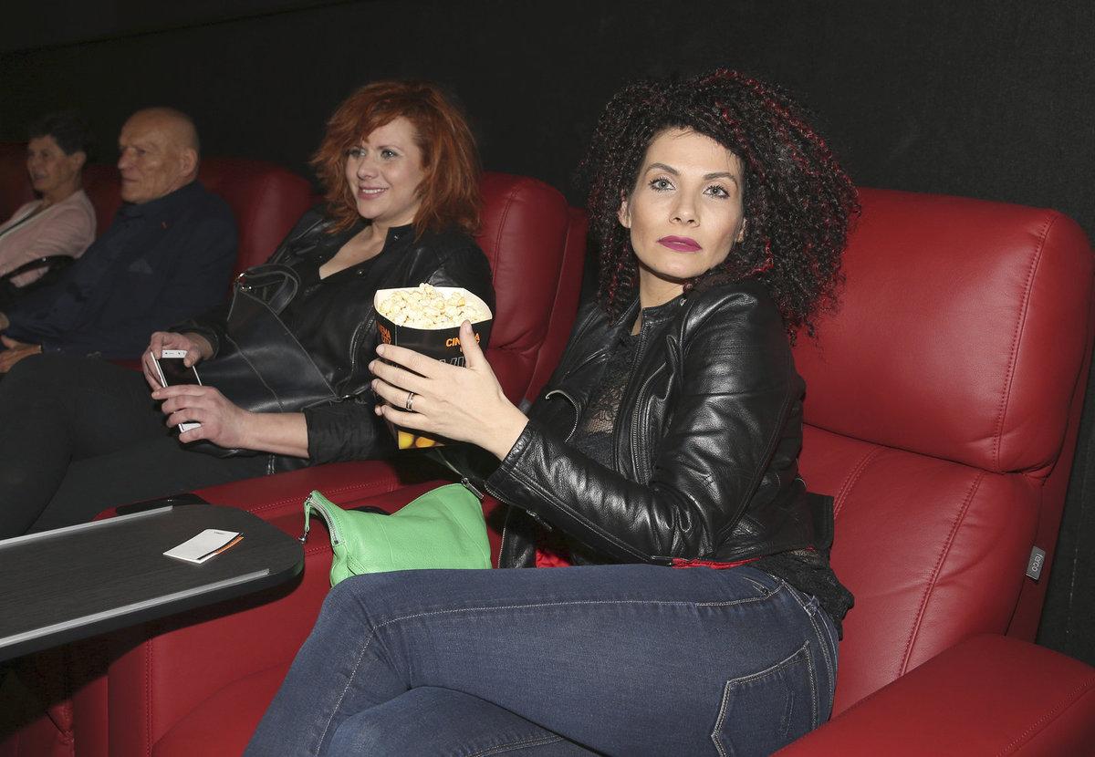 Eva Decastelo a Štěpánka Decastelo v kině