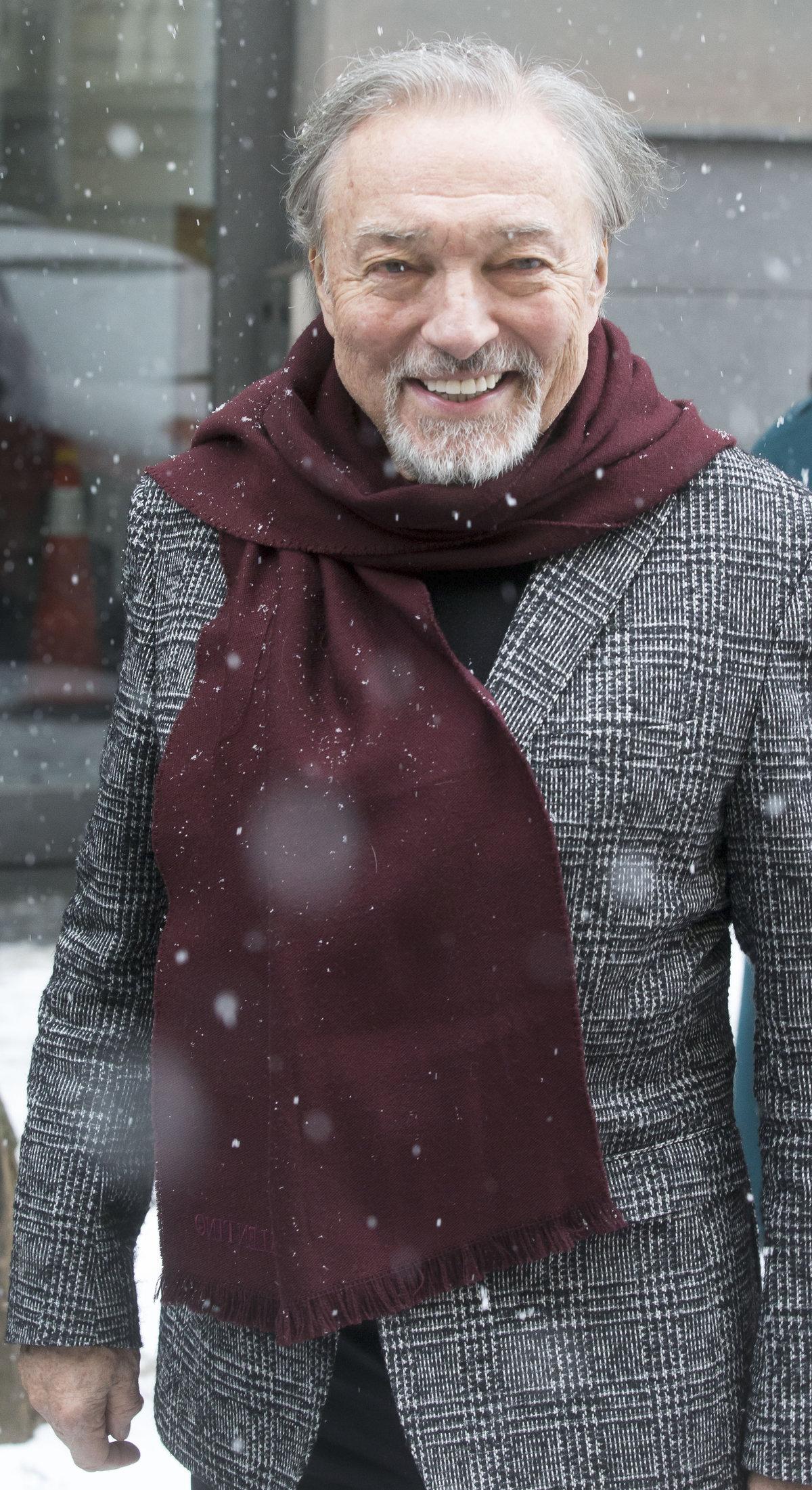 Karel Gott je po nemoci zase veselý a plný energie.