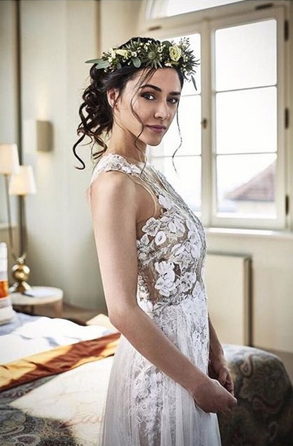 Herečka Eva Burešová ve svatebních šatech