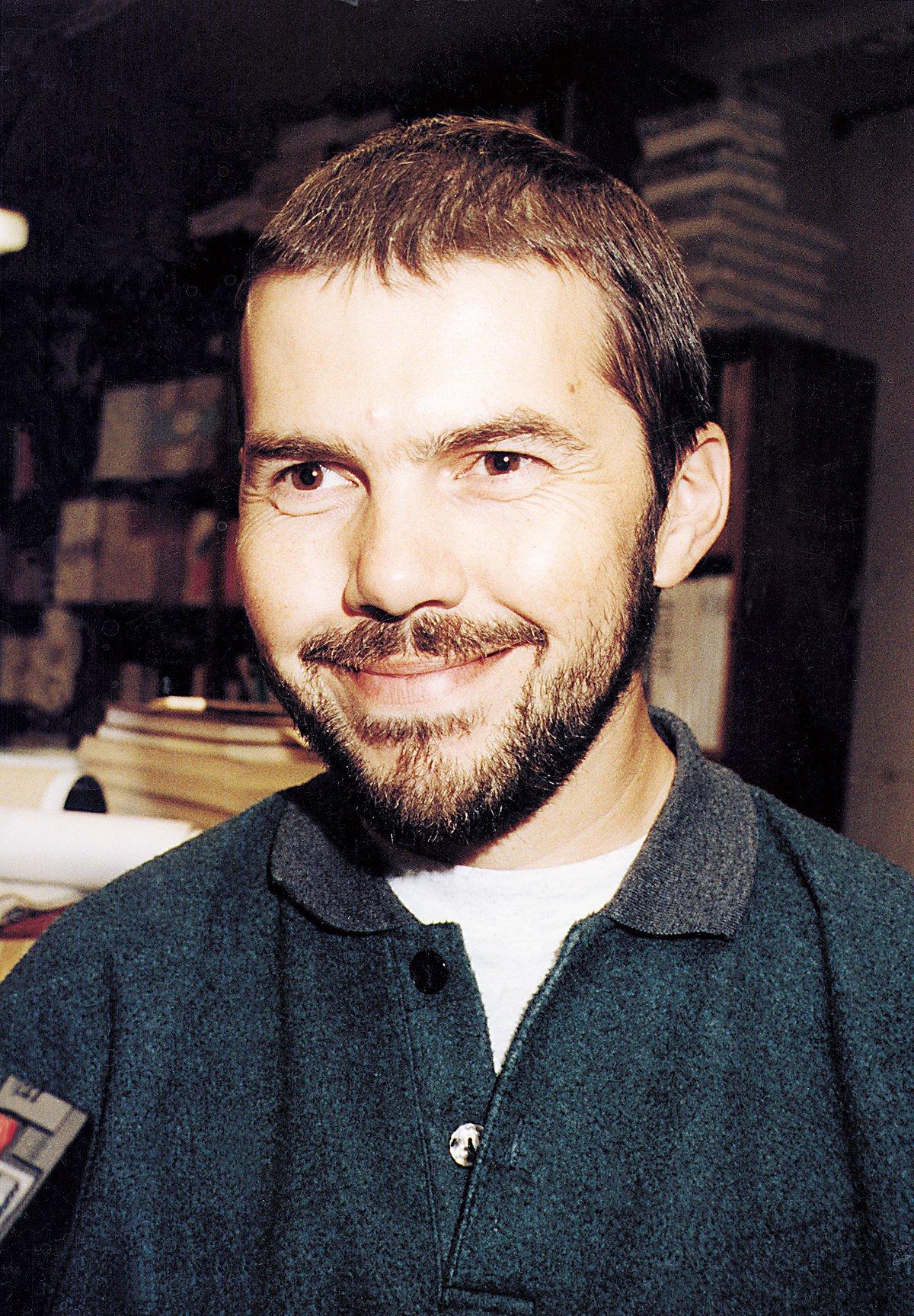 1998 - Marek Eben v začátcích pořadu Na plovárně