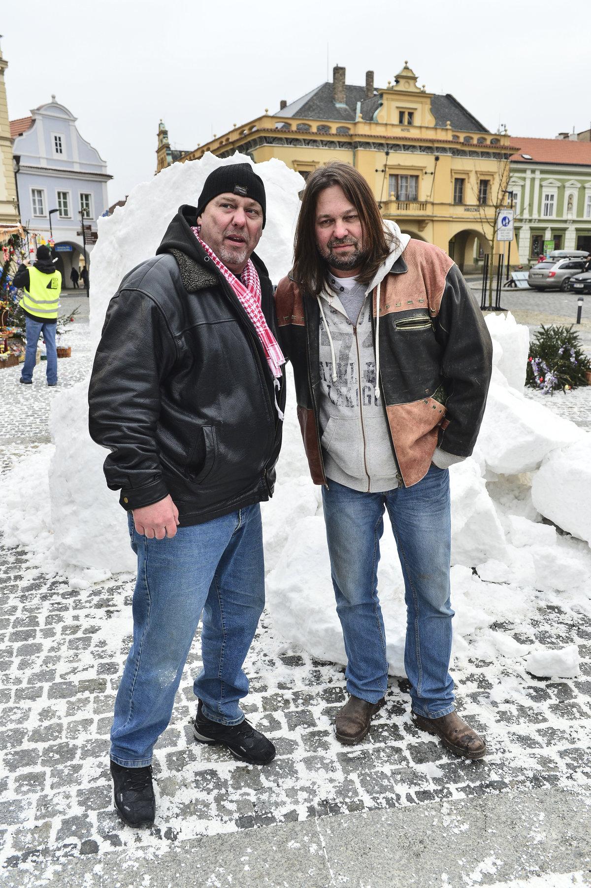 Producent Pavel Pásek a Jiří Pomeje při natáčení Vánočního Kameňáku