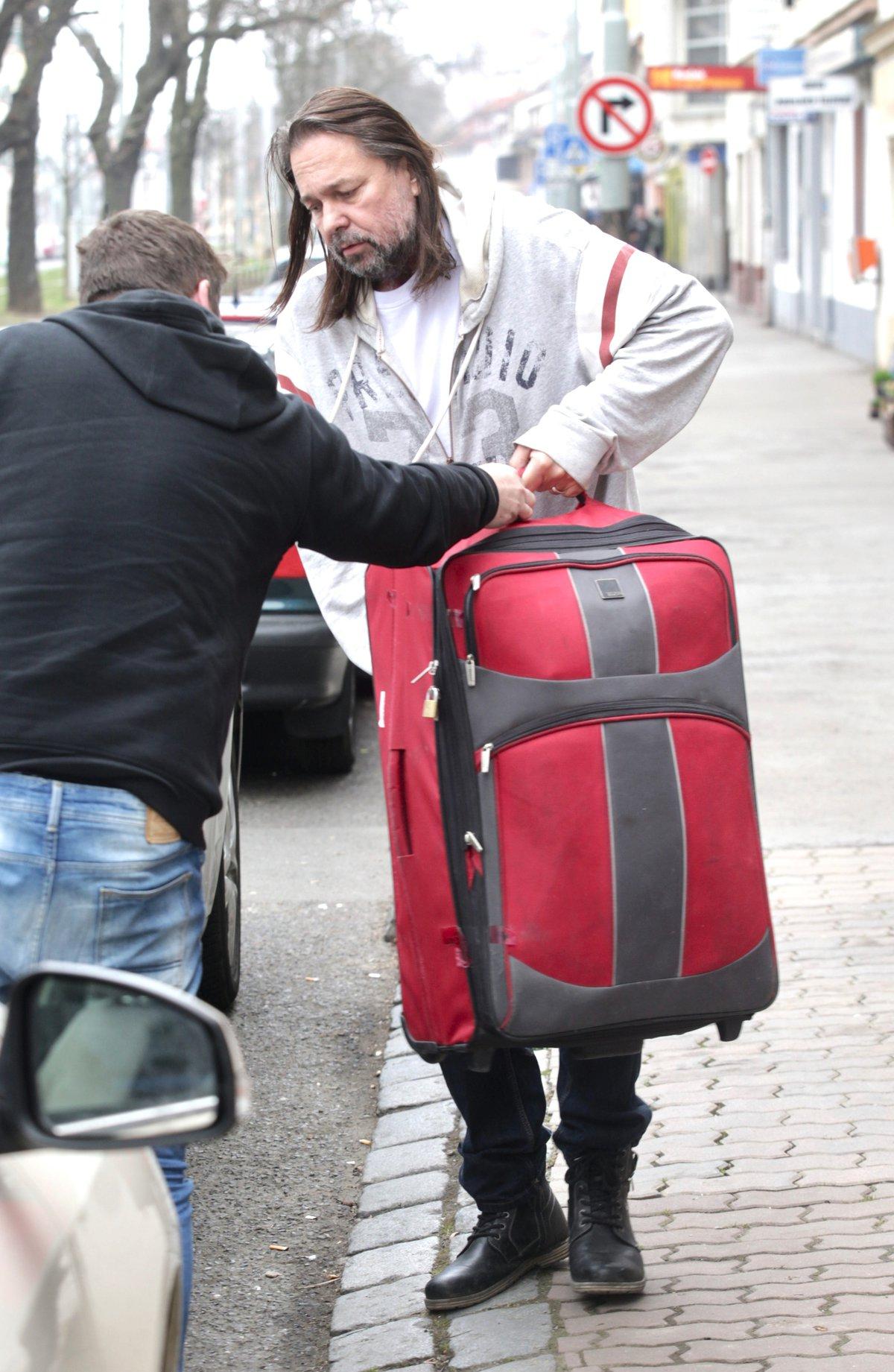 Jiří Pomeje se odstěhoval od manželky Andrei, sebou měl jen jeden kufr
