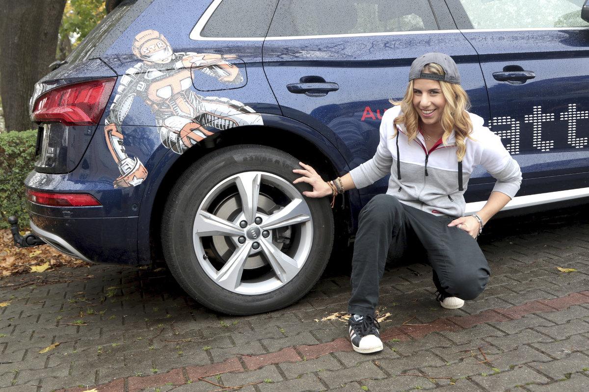Olympijská vítězka Ester Ledecká a její auta