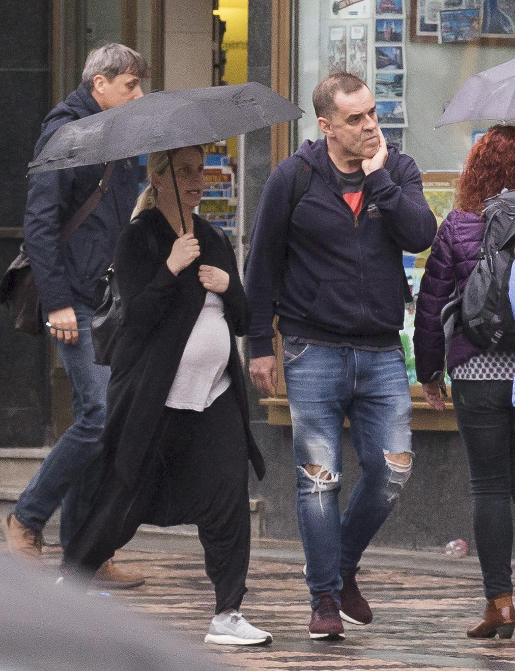 Herec s těhotnou přítelkyní Helenou