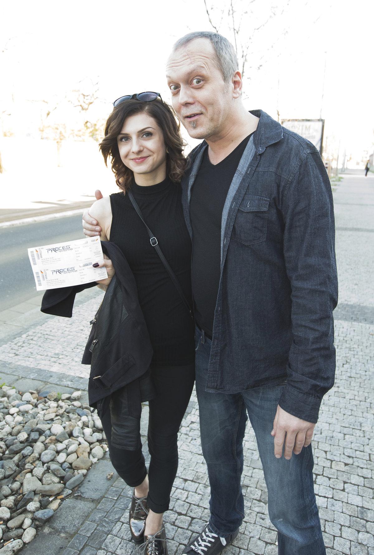 Viktor s přítelkyní Kateřinou