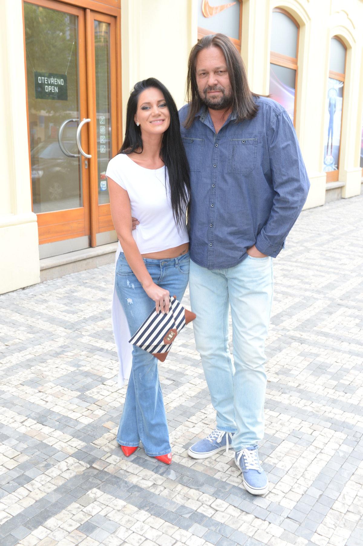 Manželé Jiří a Andrea Pomeje